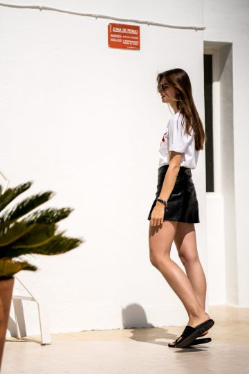 how to wear a skirt