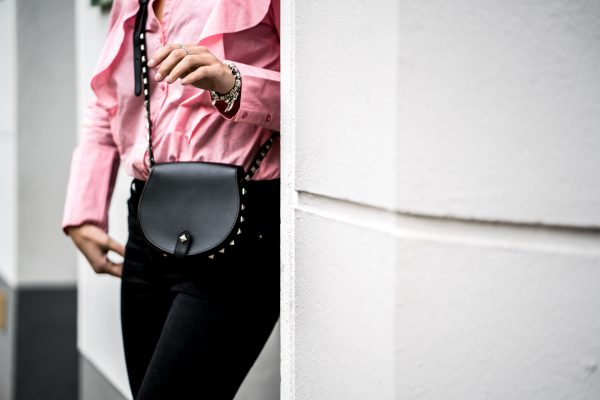 black Tasche with studs