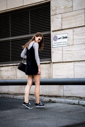 schwarzes Cami Kleid