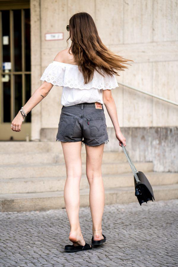 graue Levi's Shorts