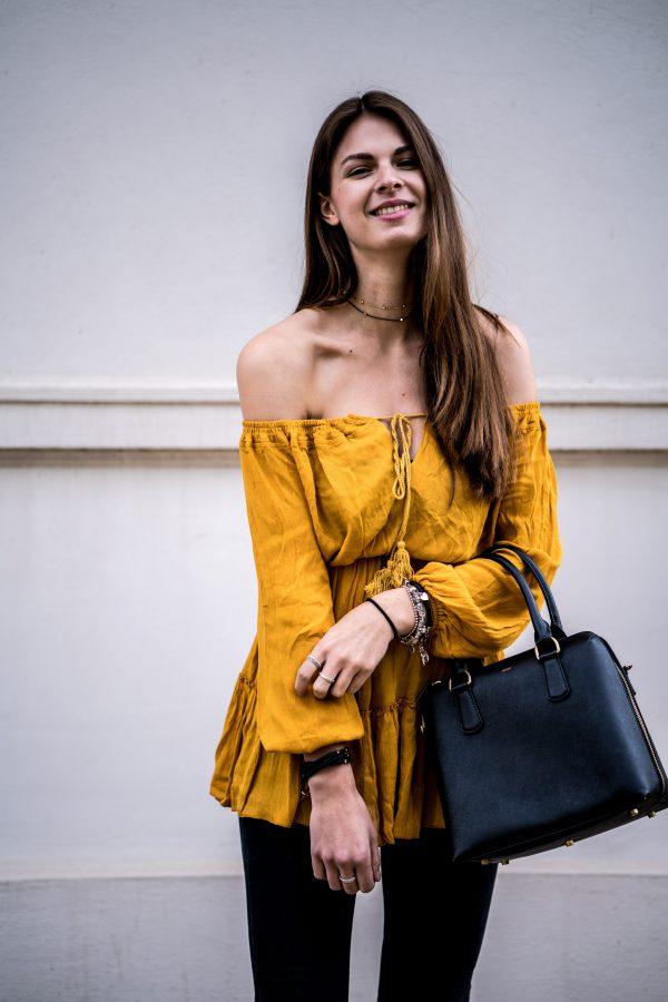 gelbes Off Shoulder Kleid