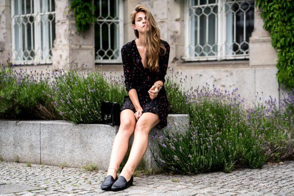 Wie trägt man schwarze Schuhe
