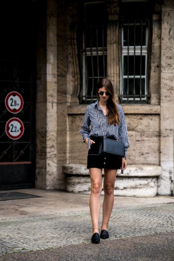 Whaelse_Fashionblog_Berlin_Black_Skirt_Gingham_Shirt-1