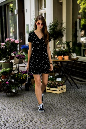 Whaelse_Fashionblog_Berlin_Dress_Bird_Print-12