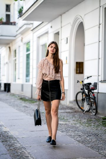 Leather skirt with zipper front