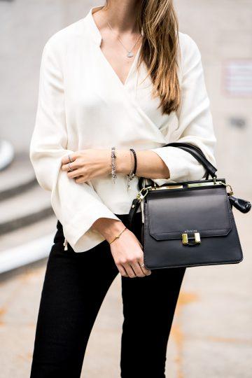 Wie trägt man eine weiße Bluse