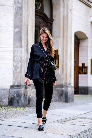 Schwarze Robe – Pyjama Style