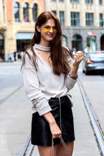 Wie trägt man eine gelbe Sonnenbrille