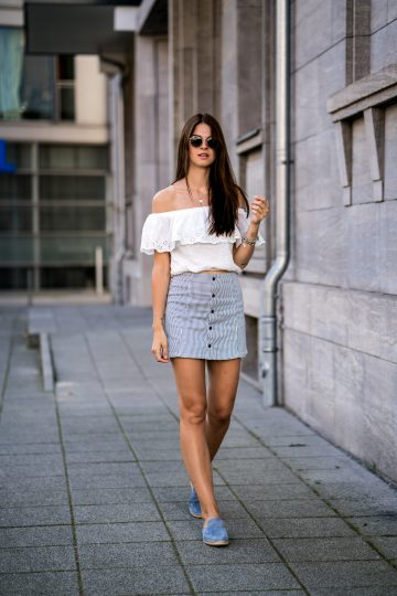 How to combine a white off shoulder shirt