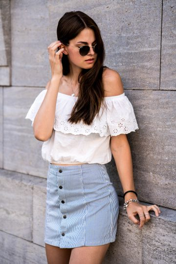 how to wear an Off-Shoulder Shirt