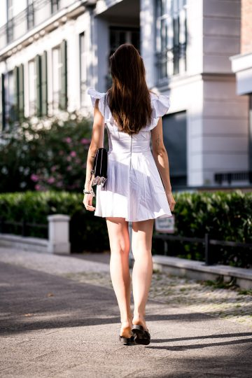 how to wear a white summer dress