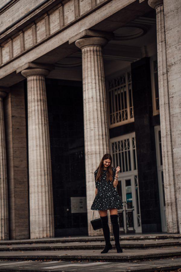 Whaelse_Fashionblog_Berlin_Flat_Overknees-14