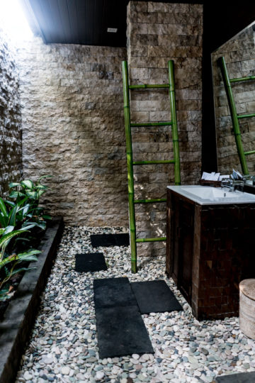 Coconut Boutique Resort outdoor bathroom
