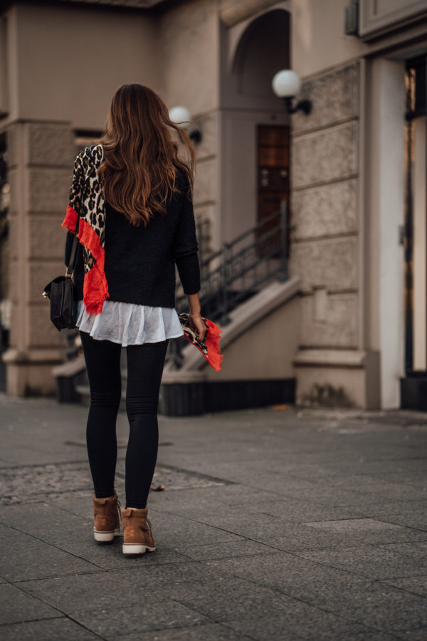 How to wear a black sweater