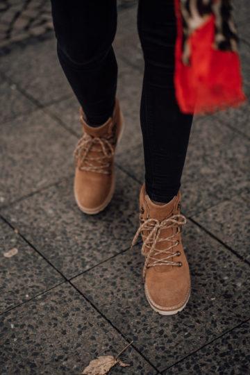 braune TOMS Boots