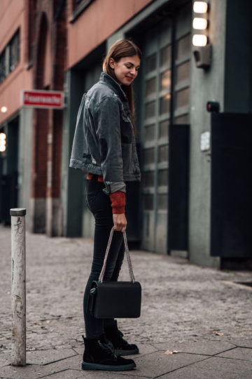 how to style a black bag