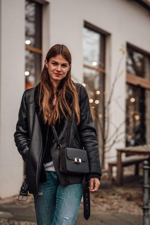 how to wear a black jacket