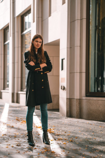 How to wear a military style coat