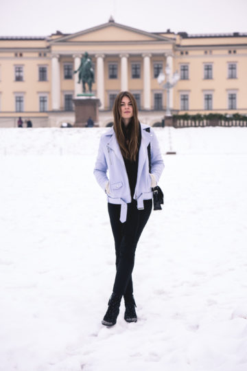 what to wear on a snow day in winter