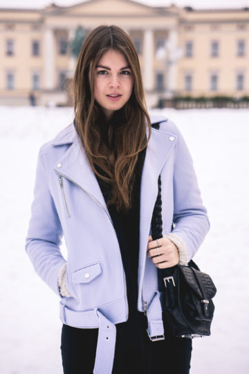 what to wear when it's freezing outside