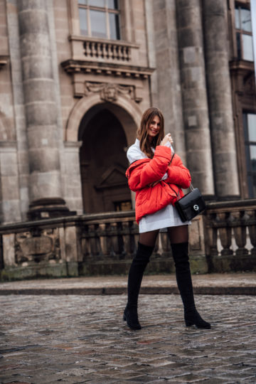 rote Missguided Pufferjacke