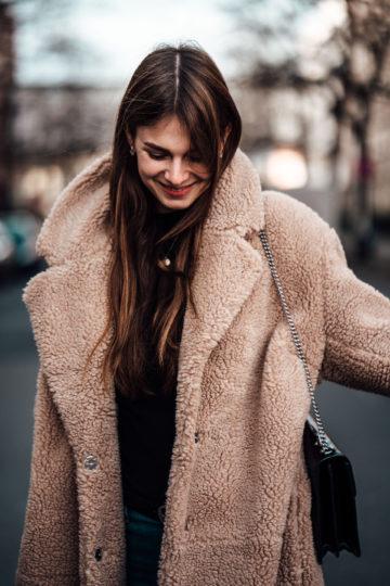 Whaelse_Fashionblog_Berlin_Teddy_Coat-20