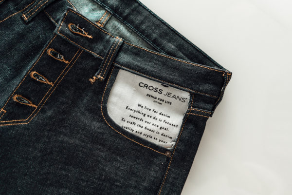 Denim_DIY_Cross_Jeans-15