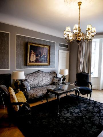 Grand Hotel Oslo Lounge Area