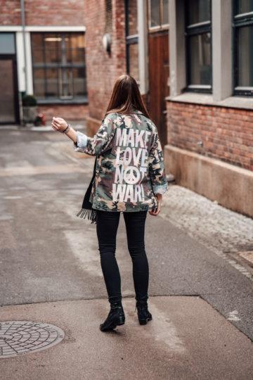 Wie kombiniert man eine Camouflage Jacke
