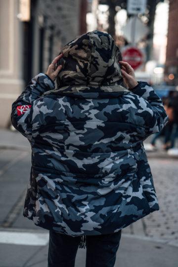 Wie trägt man eine übrgroße Jacke