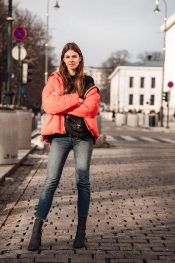 Red_Puffer_Jacket_Mom_Jeans_Turtleneck-14