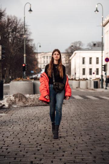 Red_Puffer_Jacket_Mom_Jeans_Turtleneck-16