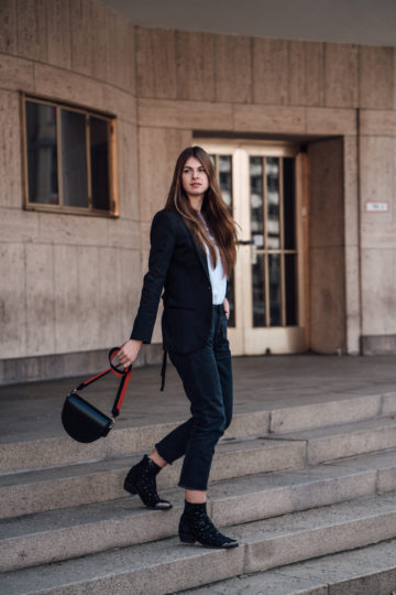 how to style a chic Blazer