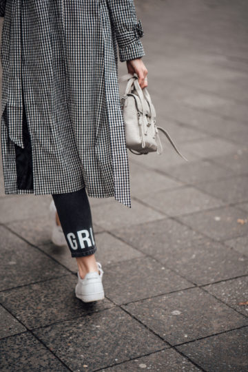 Jeans with lettering