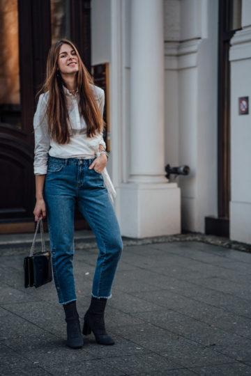 Wie trägt man eine Mom Jeans
