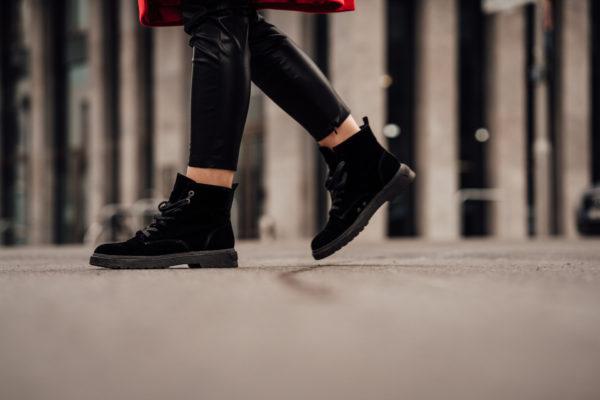 how to wear velvet boots