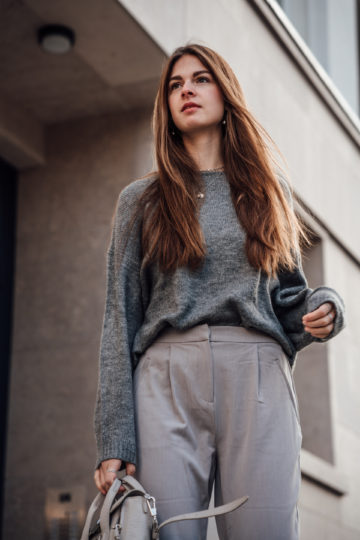 grey Vila sweater