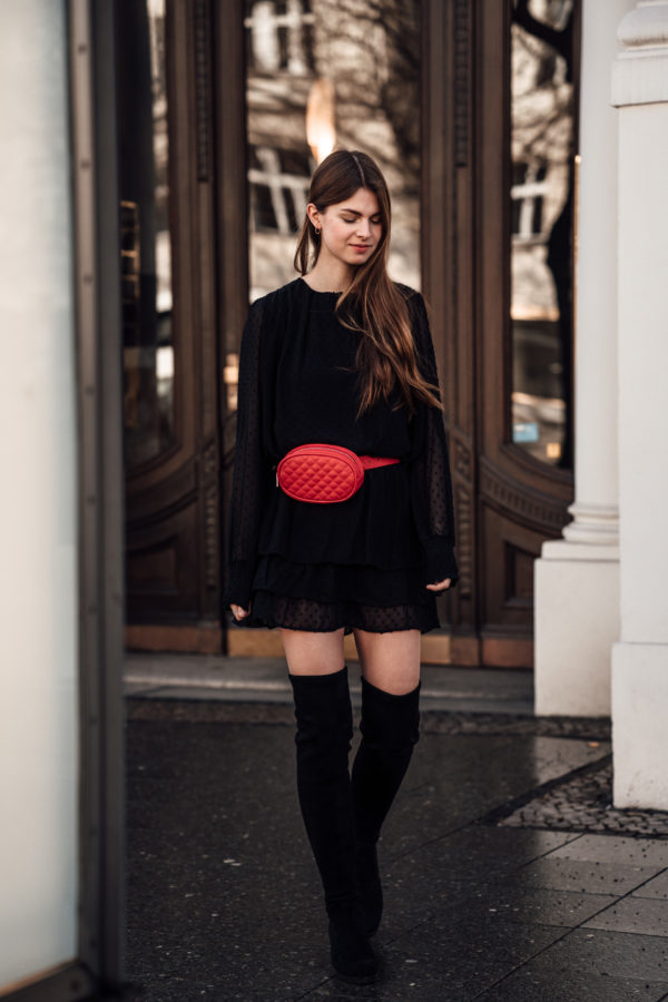 Black-Dress-Red-Beltbag-9