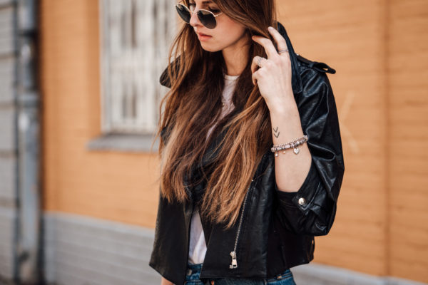 Cropped-Leather-Jacket-Mom-Jeans-13