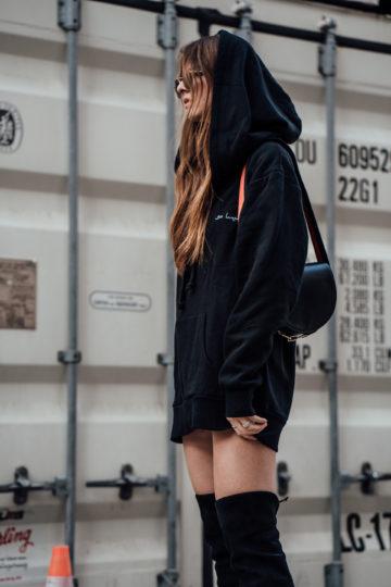 Overknees-Outfit-Oversized-Hoodie-21