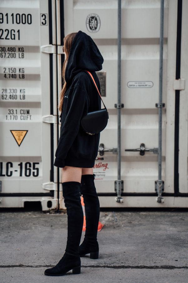 Overknees-Outfit-Oversized-Hoodie-22