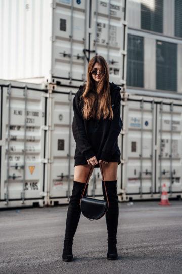 Komplett schwarzer Look