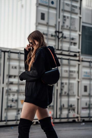 Overknees-Outfit-Oversized-Hoodie-8