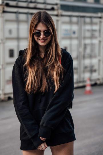 Overknees-Outfit-Oversized-Hoodie-9