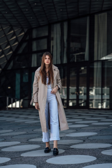 How to wear: trench coat and white pants