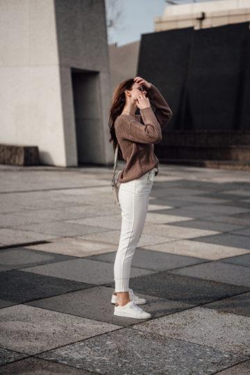 Wie trägt man eine weiße Hose