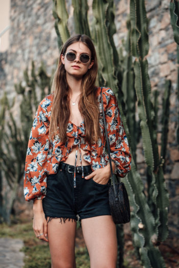 Travel Outfit: Denim Shorts and Flower Shirt