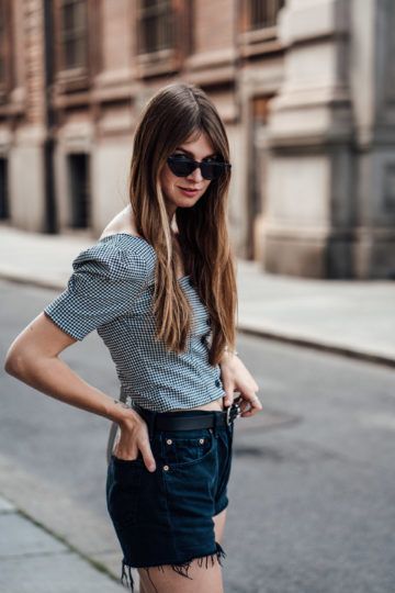 Cropped blouse summer
