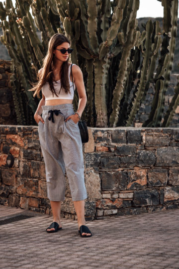 Cropped pants for summer