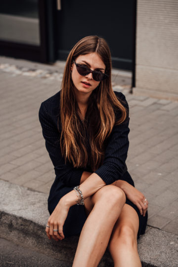 how to style black sunnies